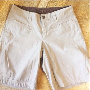 Athleta Shorts Hiking size 2
